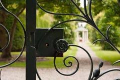 Serratura vecchia del cancello Immagini Stock Libere da Diritti