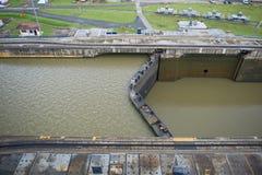 Serratura voluminosa del canale di Panama immagine stock