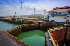 Serrature di Gatun, canale di Panama Ciò è il primo insieme Immagini Stock