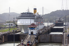 Serrature di Gatun del canale di Panama immagine stock libera da diritti