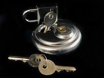 Serrature e chiavi di cuscinetto Fotografie Stock Libere da Diritti