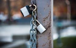 Serrature e una catena Fotografia Stock Libera da Diritti