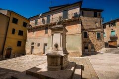 SERRE di RAPOLANO, TOSCANA, Italia - el pueblo antiguo Fotografía de archivo