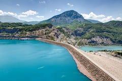 Serre-Poncon jezioro Alpes, Francja - Zdjęcie Royalty Free