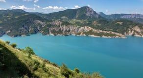 Serre-Poncon sjö - Alpes - Frankrike Arkivbilder