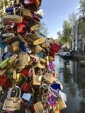 Serrure d'amour à Amsterdam Image libre de droits
