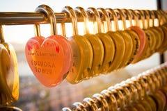 Serrure d'amour à la tour de Fukuoka Photos stock