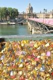 Serrure d'amour à Paris Image libre de droits
