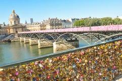 Serrure d'amour à Paris Images stock