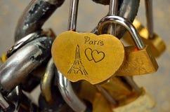 Serrure d'amour de Paris Photos stock