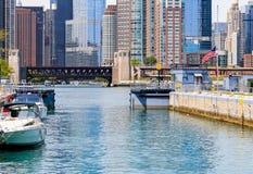 Serrure de Chicago avec des bateaux Photo stock