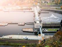 Serrure de rivière de Labe près de Strekov, Usti NAD Labem, République Tchèque photos libres de droits