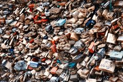 Serrures d'amour à Paris, France Images libres de droits