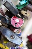 Serrures d'amour au pont Prague Images libres de droits