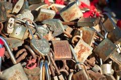 Serrures d'amour sur la montagne de Taishan, Chine Photos libres de droits