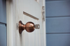 Serrures de bouton de porte avec des clés Photo libre de droits