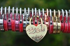 Serrures de coeur d'amour Photographie stock