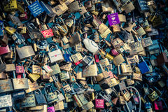 Serrures de l'amour à Paris Photos stock