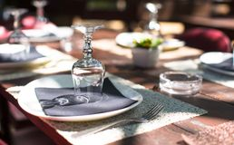 Served table set at outdoor cafe Royalty Free Stock Photos