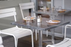 Served tables in a cafe. Waiting for visitors Royalty Free Stock Photos