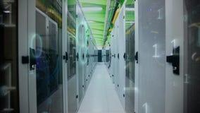 Server-Raum mit Binärzahlen stock video footage