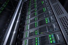 Serverkuggedatabas telekommunikation för strömbrytare för router för rj för 45 utrustningEthernetportar Arkivfoto