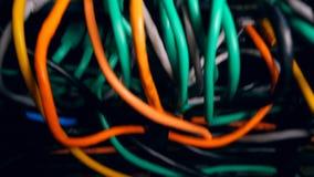 Serverrouter mit verstopften Kabeln stock footage