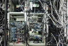 Servers in een ruimte van het Gegevenscentrum Royalty-vrije Stock Foto's