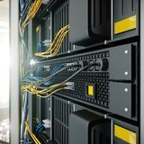 Servers en de foto van het de computertechnologieconcept van de hardwareruimte Stock Afbeelding