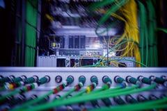 Serveur audio acoustique de câble vert sonore de câble Beaucoup de câbles acoustiques Câble oaxial de ¡ de Ð pour le serveur de t photos stock