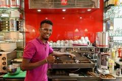 Serveur en café Photos libres de droits
