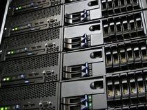 Serveurs d'ordinateur de centre de traitement des données Images stock