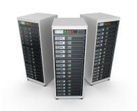 Serveurs de réseau au centre de traitement des données Photographie stock libre de droits