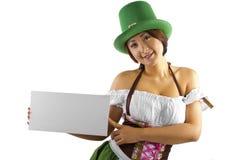 Serveuse de jour de St Patricks Photos stock