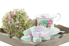 Serviço-bandeja com xícara de chá clássica Foto de Stock Royalty Free