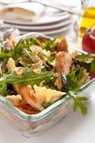 Serviço da salada de massa Fotografia de Stock