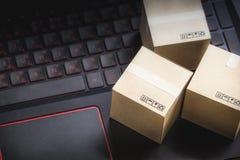 Serviço de compra da entrega em linha do comércio eletrônico do conceito da compra Squa Fotografia de Stock