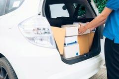 Serviço de entrega, enviamento e conceito logístico foto de stock royalty free