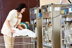 Serviço de lavanderia imagem de stock