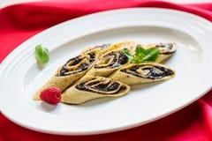 Serviço de Poppy Filling Pancake Week Breakfast do crepe imagens de stock royalty free