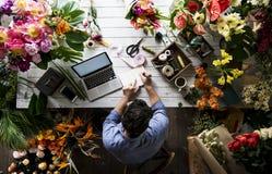 Serviço de trabalho do proprietário empresarial do florista fotografia de stock royalty free