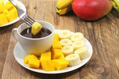 Serviço do fondue doce foto de stock royalty free