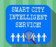 Serviço inteligente de Smart City do texto da escrita O significado do conceito conectou a lupa moderna tecnologico das cidades ilustração stock