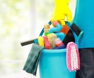 Serviço masculino da limpeza imagens de stock royalty free