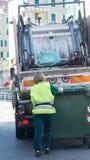 Serviços de reciclagem urbanos do desperdício e do lixo Fotografia de Stock Royalty Free
