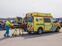 Serviços médicos holandeses na ação imagem de stock