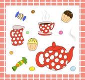 Service à thé avec des bonbons Photographie stock libre de droits