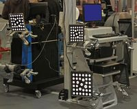 Service d'alignement des roues photographie stock libre de droits