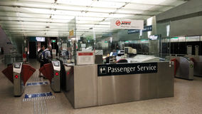 Service de passager dans l'aéroport Singapour de Changi Photographie stock libre de droits
