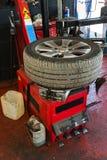 Service de pneu Photographie stock